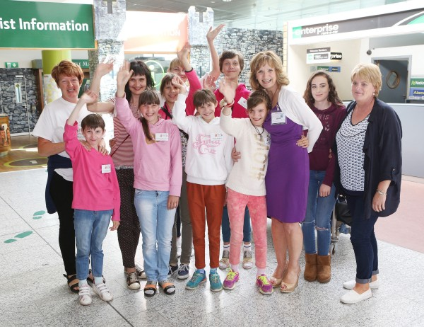 With Compliments Thursday 24th June 2016: The 30th anniversary Chernobyl group arrived in Shannon on Friday.  Our picture shows Adi Roche(3rd from right) with the Loughrea, Galway group Daisychain.  Photograph Liam Burke/Press 22